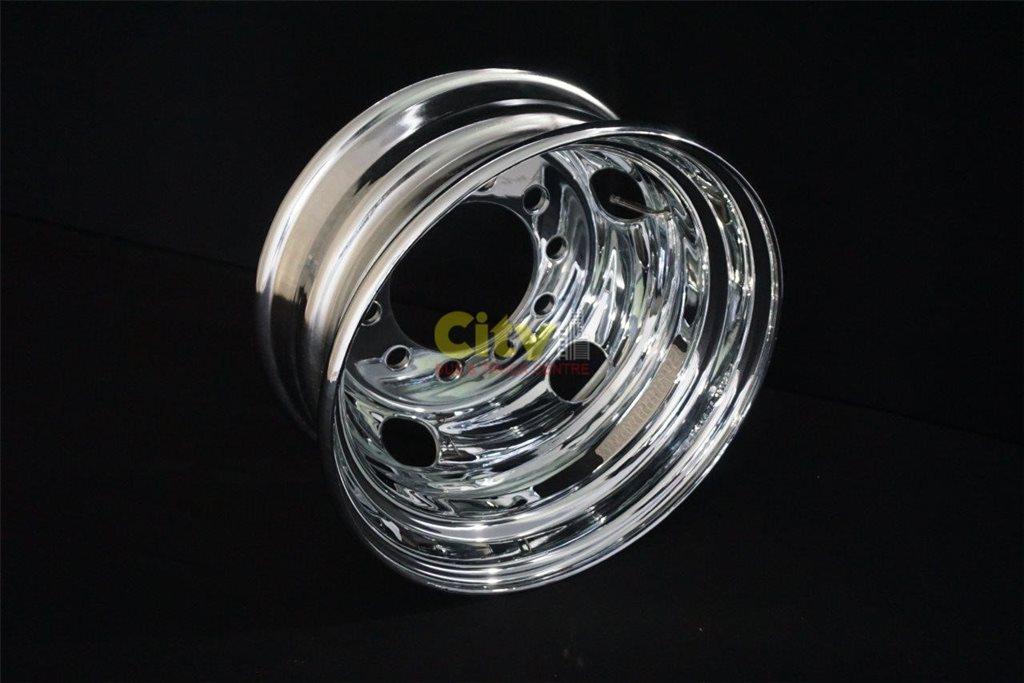 10/225 6.75x17.5 CHROME STEEL RIMS