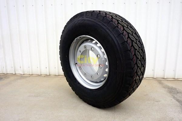 385/65R22.5 Bridgestone M748 Supersingle Steer / Trailer on 10/335 11.75x22.5 Steel Rim