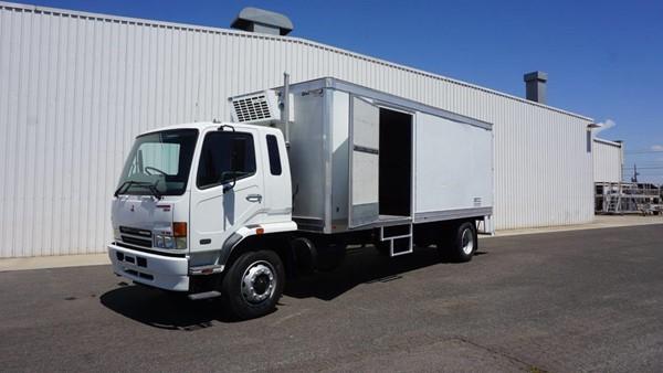 2004 Mitsubishi FM600 (4x2) 10 Pallet Refrigerated Truck