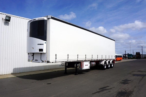 2016 Vawdrey VBS3 Tri-Axle Refrigerated Curtainsider