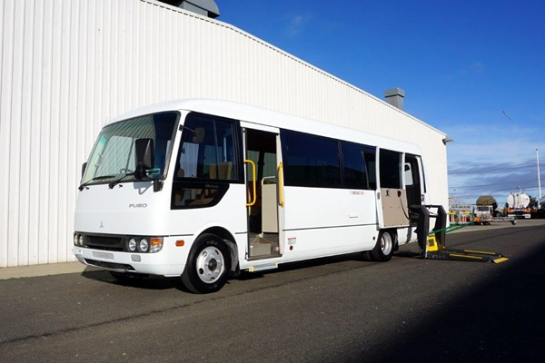 2007 MITSUBISHI ROSA 20 SEAT WHEELCHAIR BUS