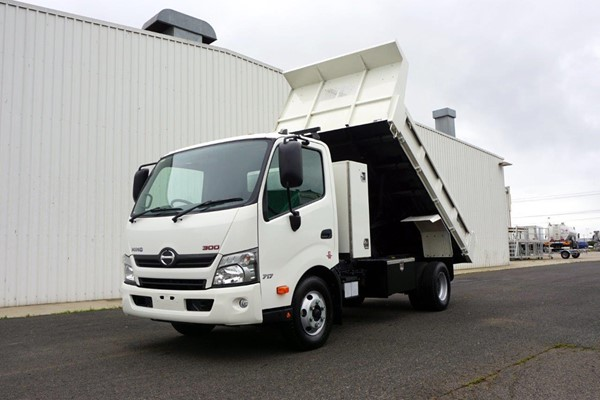 2015 Hino 300 Series 717 3 Tonne Tipper