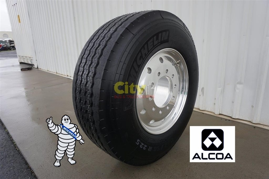 385/65R22.5 Michelin Super Single Steer Tyre on Alcoa Durabright
