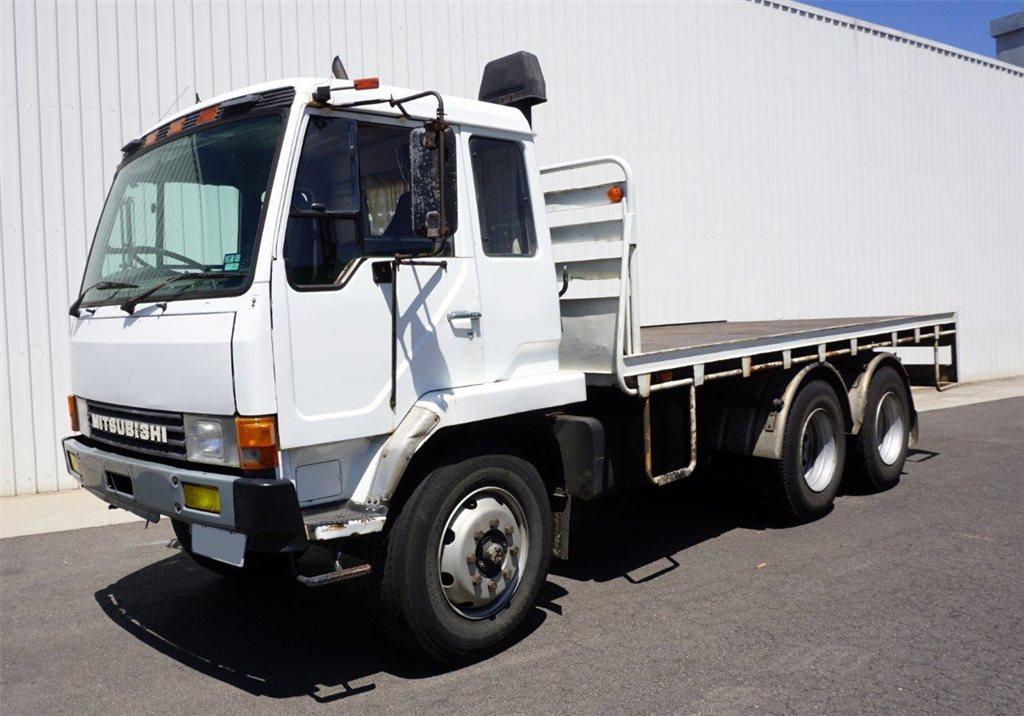 1986 Mitsubishi FM515 (6x2) Tray Truck