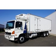 2004 Hino GH (6x2) 12 Pallet Refrigerated Truck