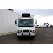 2010 Mitsubishi FM600 8 Pallet Refrigerated Truck